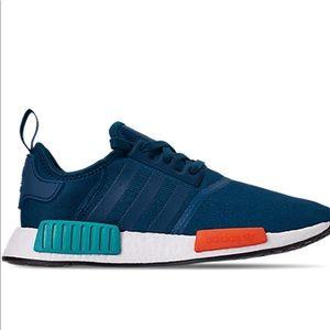 🔥Mens Adidas NMD r1 🔥